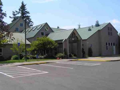 BU_UUCS_2_Peaked_roofs_to_W_7_2012
