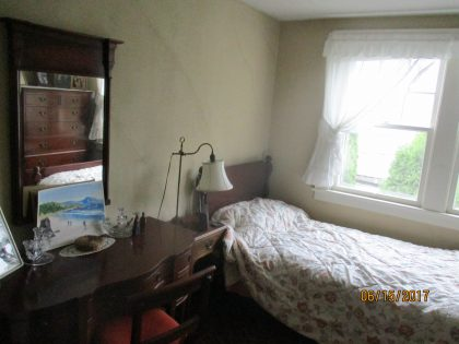 Eclipse accommodation white single bedroom 2017-6-20
