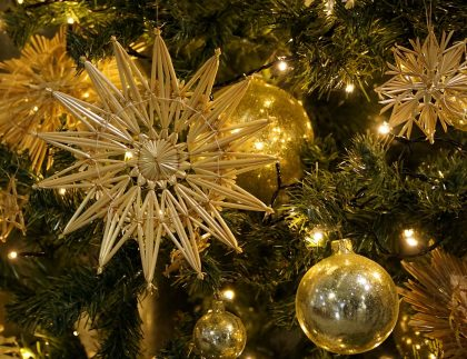 Gold ornaments and fir boughs Pixabay 2017-12-04